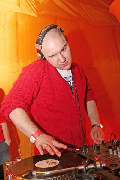 Полный сет выступления в клубе Тусе DJ Jazz и MC Ribik (2006)