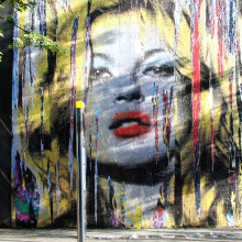 Перформанс Mr. Brainwash в Англии