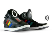 Говорящие кроссовки Google и Adidas