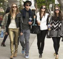 Chanel и Louis Vuitton предоставили свои наряды для нового фильма Софии Копполы