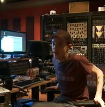 Помогите Deadmaus'у дописать альбом